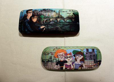 メガネを購入していただいた方にはこんな可愛いケースもセットでついてきます