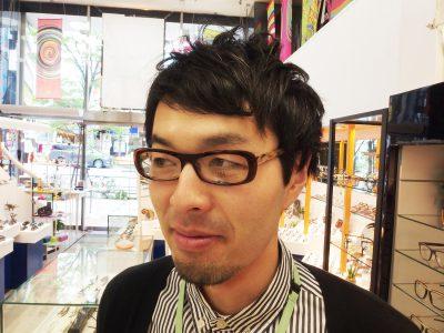 モデル:PARIS3 カラー:689 価格:37800円(税込)