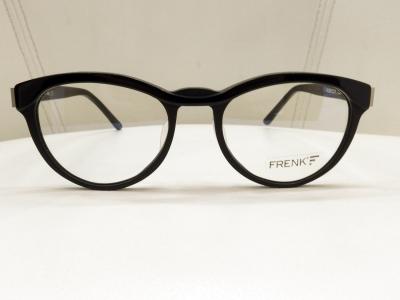 ブランド:FRENK EYEWEAR モデル:REBECCA カラー:04 価格:39,960円(税込)