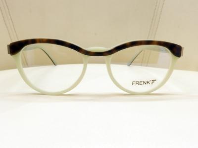 ブランド:FRENK EYEWEAR モデル:REBECCA カラー:03 価格:39,960円(税込)