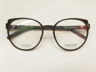 ブランド:FRENK EYEWEAR  モデル:GEA カラー:01 価格:51,300円(税込)