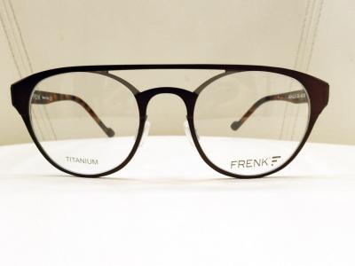 ブランド:FRENK EYEWEAR モデル:ACHILLE カラー:02 価格:51,300円(税込)