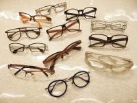 メガネを掛ける事で、今までとは違う自分を演出できます!