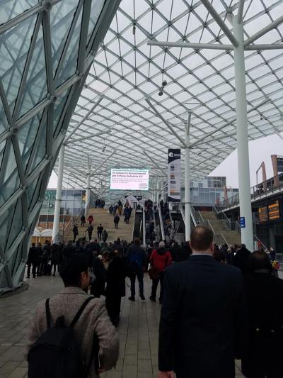 そしてMIDO2018本番! 広大な7つのホールで開催されます。日本の見本市とは規模が違います。
