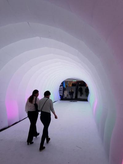 このトンネルは、ホールとホールを結ぶ通路。