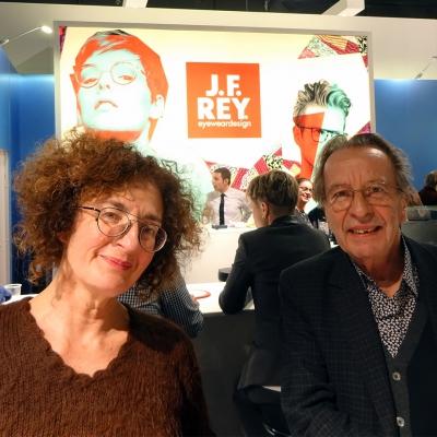右ジャンフランソワ・レイ氏、左はエキスパートセールスのナディーンさん。