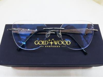 ブランド:GOLD&WOOD モデル:RAVI07.27 カラー:BeBlp68 価格:93,960円(税込)
