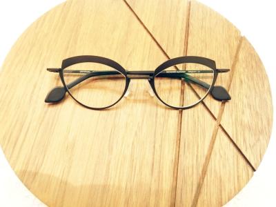 ブランド:KOMOREBI モデル:PENELOPE カラー:NIGHT BLACK 価格:¥53,784(税込)