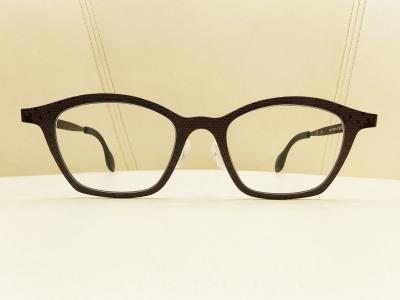 ブランド:THEO モデル:MILLE+62 カラー:371 価格:52,164円(税込)