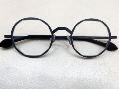 ブランド:KOMOREBI モデル:RENEE カラー:WHALE  BLUE 価格:53,784円(税込)