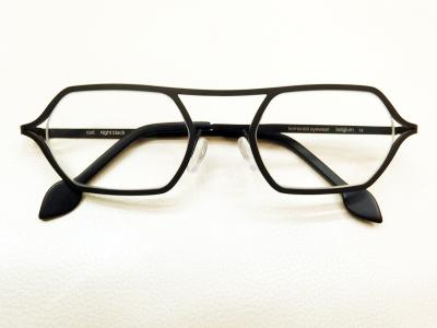 ブランド:komorebi eyewear モデル:carl カラー:night black 価格:53,784円(税込)
